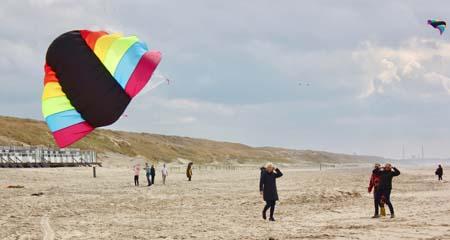 te gekke strandactiviteiten organiseren, kies voor suppen