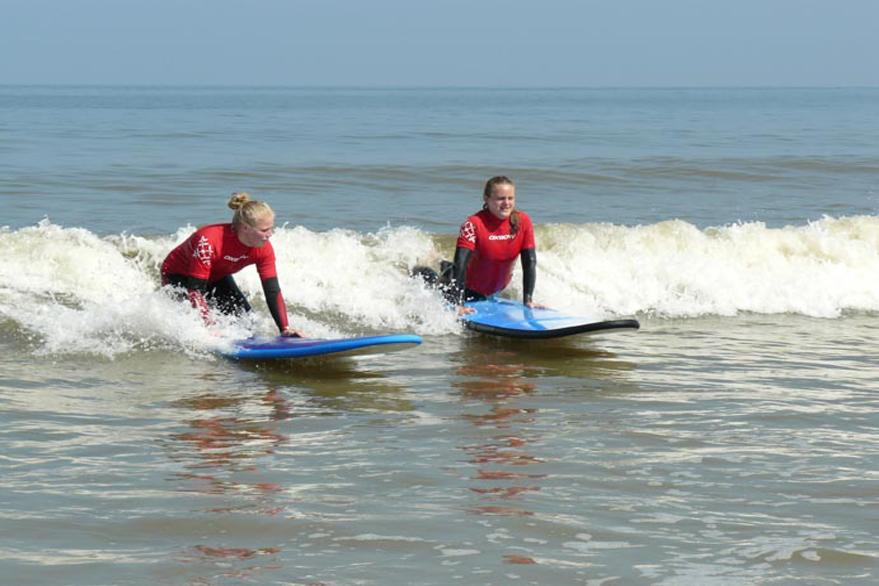 Bedrijfsuitje golfsurfen